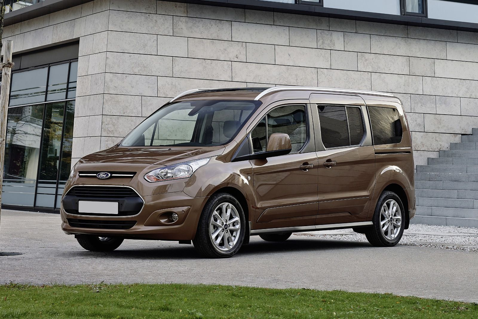 Ford Grand tourneo connect | New and used Ford car dealers in
